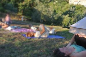 Lezioni di yoga in agricampeggio Maremma Toscana